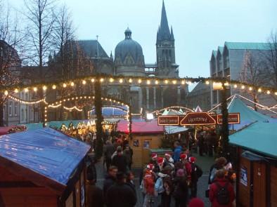 Aachen Christmas Market with the ancient cathedral where the coronation of Kaiser Karl took place at 800